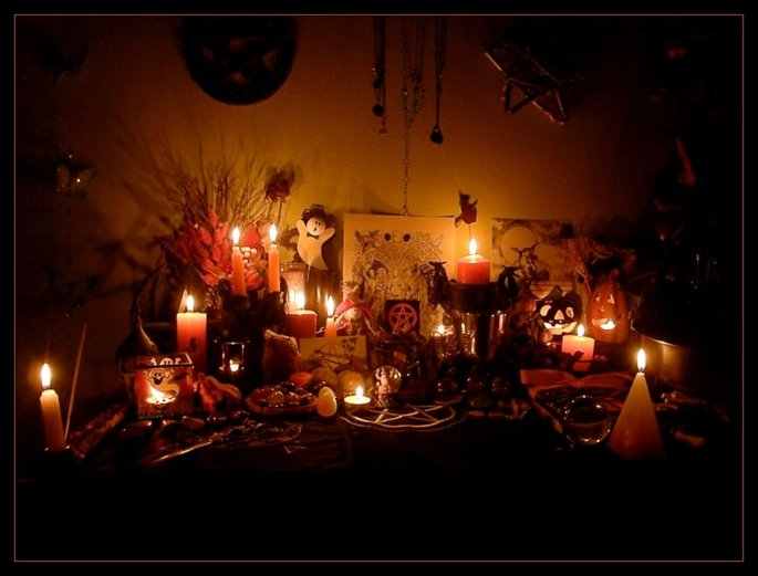 samhain_altar_2010___2_by_wilhelmine-d33hsgg