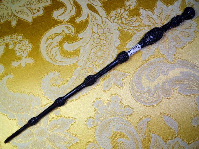 varita-de-sauco-dumbledores-elder-wand-588-MEC2647655718_042012-F.jpg