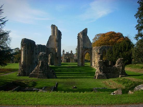 glastonbury-abbey.jpg