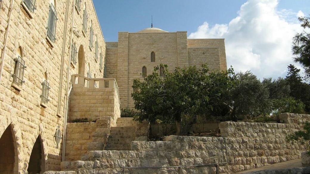 1200px-notre-dame_du_mont-carmel_6 Israel.jpg
