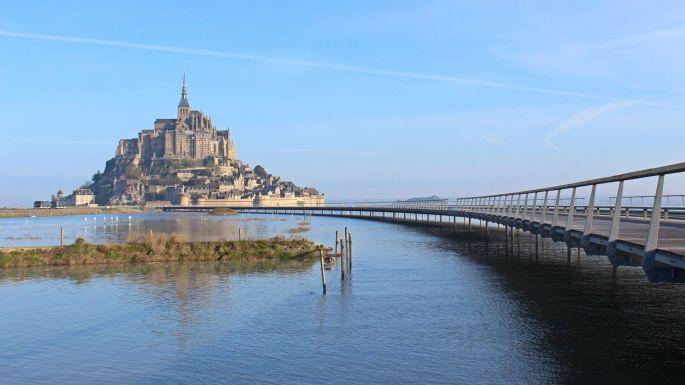 mont_st_michel__jetc3a9e_par_marc3a9e_haute  Mont Saint Michel (Francia).jpg